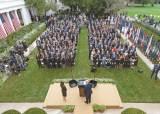 코로나 덮으려 보수 대법관 지명한 그 행사, 트럼프 발목잡다