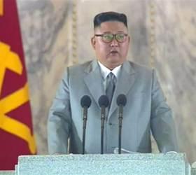 """김정은 """"軍 선제적 안쓴다···사랑하는 南동포와 손 맞잡길"""""""