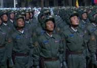 """[속보] 北, 당 창건 75주년 열병식 중계…""""73개 열병종대 참석"""""""