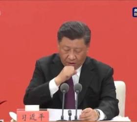 [영상]<!HS>시진핑<!HE> 연설중 수차례 '콜록콜록'…급히 화면 돌린 CCTV