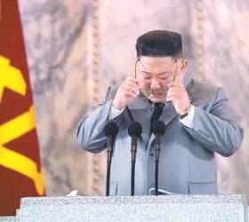 울던 <!HS>김정은<!HE>이 세번 웃었다, '괴물 ICBM' 외 또다른 이유