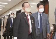 스가 측근 가와무라, 이낙연·김종인·박지원 연쇄 회동