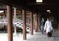 [속보] 한달 만에 또…아베 전 총리, 야스쿠니신사 참배