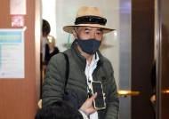"""강경화 만난 北피살 공무원 친형 """"북한 강력 규탄 해달라"""""""