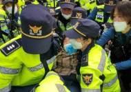 주민 '육탄저지'에도 성주 사드기지 장비반입 강행…또 충돌