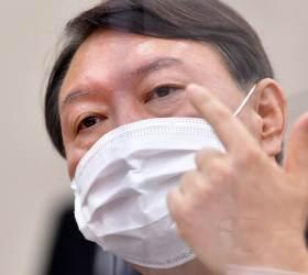 """""""정치 도전, 지금 말하기 곤란"""" 尹 한마디에 야권이 술렁인다"""