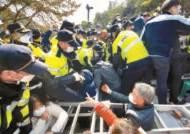 [사진] 사드 장비 반입, 또 주민과 충돌
