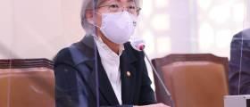 """강경화 """"외교부 잇단 성비위, 리더십 한계 느끼지만 노력하겠다"""""""