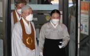 [이건희 별세]원불교 최고지도자, 이건희 회장 빈소에서 장례 법문