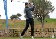 """'테니스 스타' 나달, 스페인 골프 대회서 6위…""""골프도 잘 하네"""""""