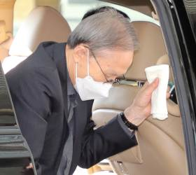 <!HS>이명박<!HE> 전 대통령, 3일 뒤 수감 앞두고 서울대병원 찾아 진료