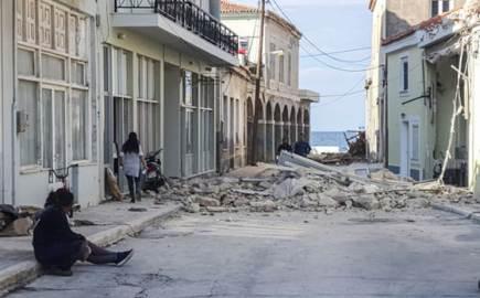 """에게해 강진 그리스까지 때렸다...""""10대 여학생 2명 사망"""""""