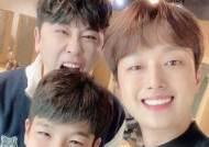 이찬원, '미스터트롯' 콘서트 근황···영탁X정동원과 훈훈 셀카