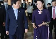 """박병석 두번째 순방은 베트남…""""정부 대신 경제현안 해결"""""""
