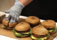 """""""채식주의자, 고기 먹는 사람보다 골절 확률이 높다"""""""