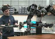 빵에 잼도 잘 바른다···'한놈'만 배우면 다 되는 '클라우드 로봇'