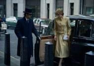 """왕실 다룬 '더 크라운'에 영국정부 """"허구 표시해""""···넷플릭스 '거절'"""