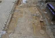 관람시설 방재 공사하다 1400년 전 백제 토기 무더기 발굴