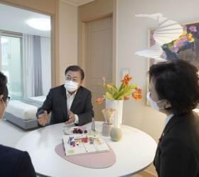 """유승민 '니가 가라'에 靑 발끈 """"3년전 본인 공약은 잊었나"""""""