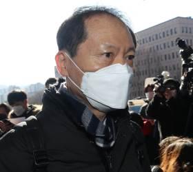 """""""尹 징계위는 쇼"""" SNS 올린 변호사…소속 <!HS>로펌<!HE> """"우리와 무관"""""""