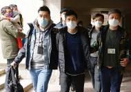미국인도 체포했다···홍콩 당국, 민주인사 53명 '새벽 급습'