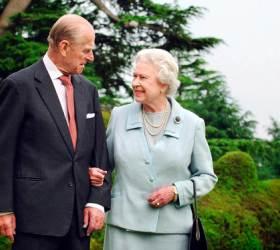94세 英여왕, 99세 남편과 백신 맞았다…85세 <!HS>교황<!HE>도 예약