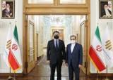 """이란 """"사법부 조사 기다려야""""…한국인 억류자 협상 시작부터 난항"""