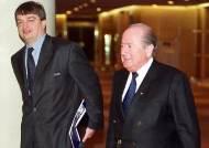 블라터 전 FIFA 회장, 혼수상태서 회복