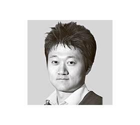 [<!HS>취재일기<!HE>] '구박데기' 기재부 '홍백기' 홍남기