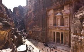 [한 컷 세계여행] 사막 협곡 아래에 신전이… 2000년 비밀 간직한 고대 도시