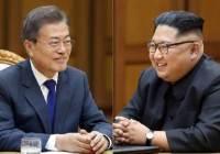 """""""文, 김정은에 USB 건넬때…北실무진엔 하드카피 전달했다"""""""