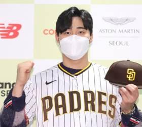 """<!HS>MLB<!HE>로 떠나는 김하성, """"류현진 선배와 맞대결 꿈꾼다"""""""