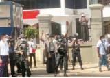 """로이터 """"미얀마 시위 현장서 10차례 총성"""""""