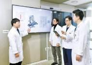 [건강한 가족] 2개 질환 동시 치료, 10분 내 응급처치…로봇 수술 새 길 연다
