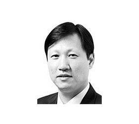 [서소문 포럼] 직권남용은 왜 반복되나