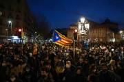 """""""국왕은 마피아 두목"""", 스페인 왕실모독 래퍼 수감되자 보름째 시위"""