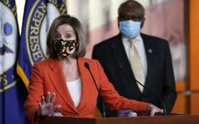 피할 수 없으면 즐긴다. 美 하원의장 낸시 펠로시의 마스크 패션