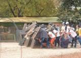 미얀마 군부, 총격에 숨진 <!HS>태권소녀<!HE> 시신 도굴까지