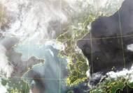 [영상]서쪽서 끝없이 밀려오는 미세먼지…한반도 집어삼켰다