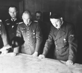 [Focus 인사이드]'그때 그 사건 이후' <!HS>히틀러<!HE>와 스탈린의 운명이 뒤바뀐 계기