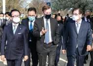 """외교부 """"시진핑 방한 의지 표명""""…중국 발표문엔 없었다"""
