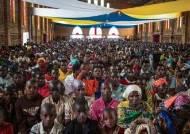 이래도 괜찮을까, 아프리카 부룬디의 노마스크 부활절