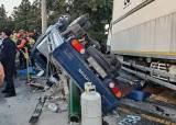 제주서 4.5t 트럭, 버스·트럭 들이받았다…3명 사망 50여 명 부상