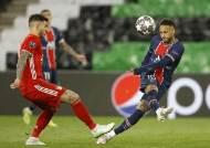 '네이마르 골대 2번' PSG, 챔피언스리그 4강행