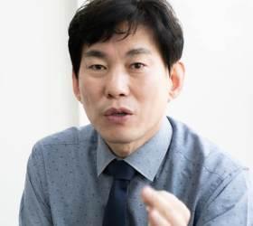 """민주당 부대변인 """"<!HS>박근혜<!HE> 당과는 달라, 우린 조국 당 아니다"""""""