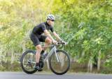 [건강한 가족] 자전거 탈 땐 허리 30도 굽히고, 덤벨 들 땐 반동 없이