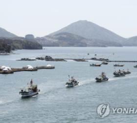 """""""<!HS>후쿠시마<!HE> 오염수 우려""""…어민 해상시위, 일본 수산물 검사 강화"""