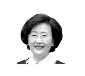 [<!HS>중앙시평<!HE>] 팬데믹 극복, 백신기술 공유의 통큰 리더십으로