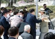 [사설] 선열들 욕보이는 광복회장 김원웅 물러나야