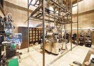 [issue&] 오픈 3주년 맞은 한남동 '맥심 플랜트' 도심 속 여유 즐기는 복합문화공간으로